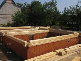 деревянный дом в саду_2