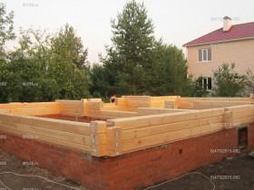 деревянный дом в саду_3