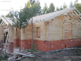 Строительство деревянной бани-шале.