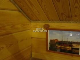 Беседки и мебель из бруса - Деревянные лестница и шкафчики в деревянном доме.