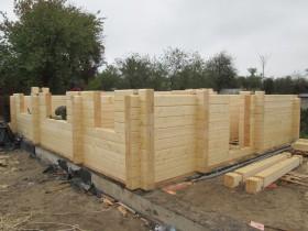этапы строительства деревянной бани-гостевого дома