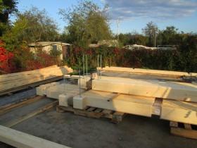 начало строительства деревянной бани из клееного бруса