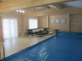 Фотогалерея - Бассейн в деревянном доме из клееного профилированного бруса.