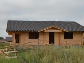 крыша из металлочерепицы в деревянном доме