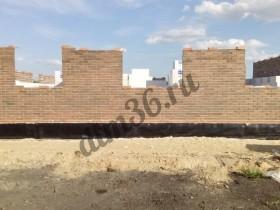 Строительство дома. Для получения белого шва используется белый цемент и специальный песок.